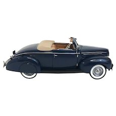 Vintage Franklin Mint Diecast 1939 Ford Deluxe Convertible Coupe Model Circa 1990 (OTH10534) 1:24 Scale Blue Beauty