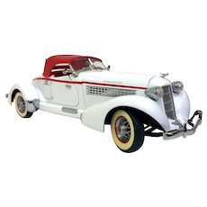 Vintage Franklin Mint Die Cast 1935 Auburn 851 Speedster White Lightning! (OTH10536) 1:24 Scale