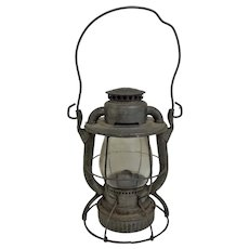Vintage Dietz Vesta Kerosene Lantern Circa 1948 New York (OTH10548) RailRoad Collectible!