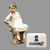 "Elegant Lladro Figurine ""Little Boy Thinking"" No.4876 In Mint Condition (OTH10558) Porcelain Lladro Figurine c. 1970 on SALE Great Piece!"