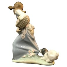 "Lladro Figurine ""Naughty Dog"" No.Nb736 In Good Condition (OTH10560)Circa 1970 Porcelain Lladro Figurine c. 1970"