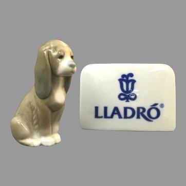 "Precious Lladro Figurine ""Sleepy Pup"" In Mint Condition (OTH10563) Porcelain Lladro Figurine c. 1970"
