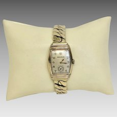 Vintage Bulova Curvex Man's 17 Jewel Wrist Watch Circa 1942 Great Running Condition; Scarce Watch (WAT10186)