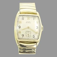 Vintage Elgin 555 Man's Wrist Watch with Expansion Band 17 jewels, 10 kt gold filled Case, Circa 1945(WAT10384) Running and Accurate on SALE thru 4-27-2021