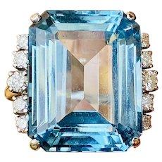 Vintage Estate 14k Gold 22ct Blue Topaz Diamond Cocktail Ring