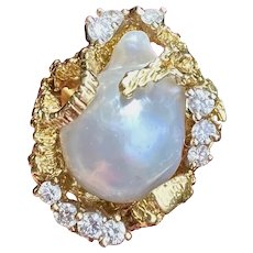 Vintage Heavy 1960s Retro 18k Gold Freeform Baroque Pearl Diamond Ring