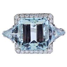 Stunning Impressive Retro Estate 1950s Platinum 25ct VS Diamond Aquamarine Ring