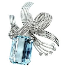 Beautiful Vintage 18k Gold 7.41 ct Diamond Aquamarine Brooch