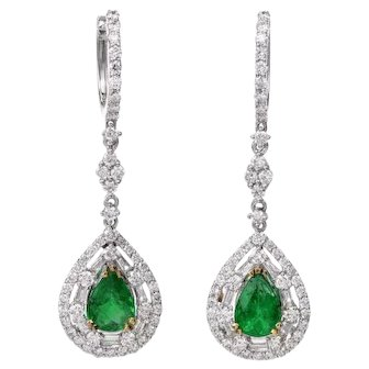 Stunning Vintage Estate 3.55 cttw Pear Emerald Diamond Dangle Drop Gold Earrings