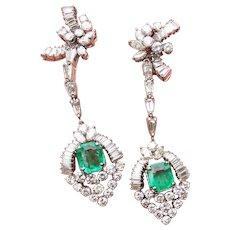 Stunning 1950s Mid Century 14k Gold Estate Pair 9.70 ct VS Diamond Emerald Earrings