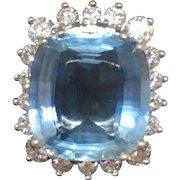 Stunning Gubelin Designer 18k Gold Estate 5 Carat Blue Aquamarine and 1.00 Carats G/VS Diamond Cocktail Statement Ring
