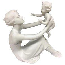 Beautiful KAISER Mid Century 1950s Bisque Porcelain Figurine Mother Woman & Child Baby Sculpture