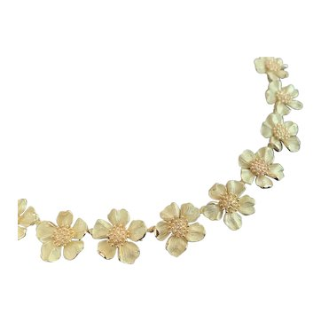 Vintage Tiffany and Co 18K Gold Dogwood Flower Necklace