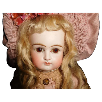 "15"" Antique Sonnenberg Belton-Type Closed Mouth Doll"