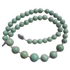 "Apple Green Jade Sterling Silver Graduating Necklace 22"" Length"