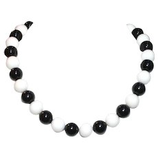 Black Obsidian and White Shell Short Necklace
