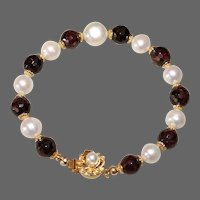 Garnet and Pearl Bracelet.