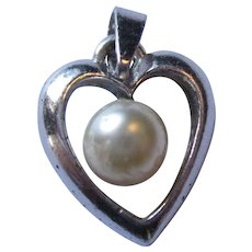 Sterling fresh water pearl heart pendant