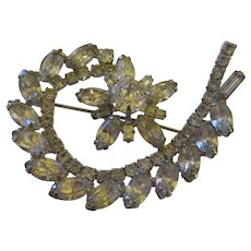 Bright shiny rhinestone brooch by Weiss