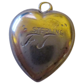 Vintage 1941 sterling silver heart charm