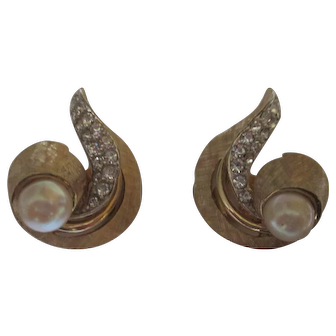 Vintage Boucher clamp earrings.
