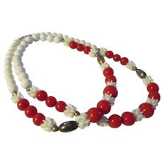 Collectable 1980's red & white plastic beaded necklace