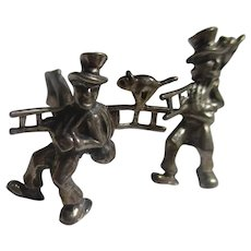 Vintage Village man 835 European cuff links