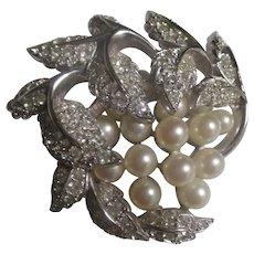 Gorgeous faux pearl, bright shiny rhinestone JOMAZ brooch