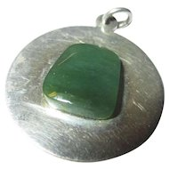 Vintage 925 sterling pendant dark green jade center