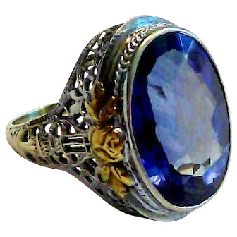 Sapphire Ring in 14 kt White Gold Size 7