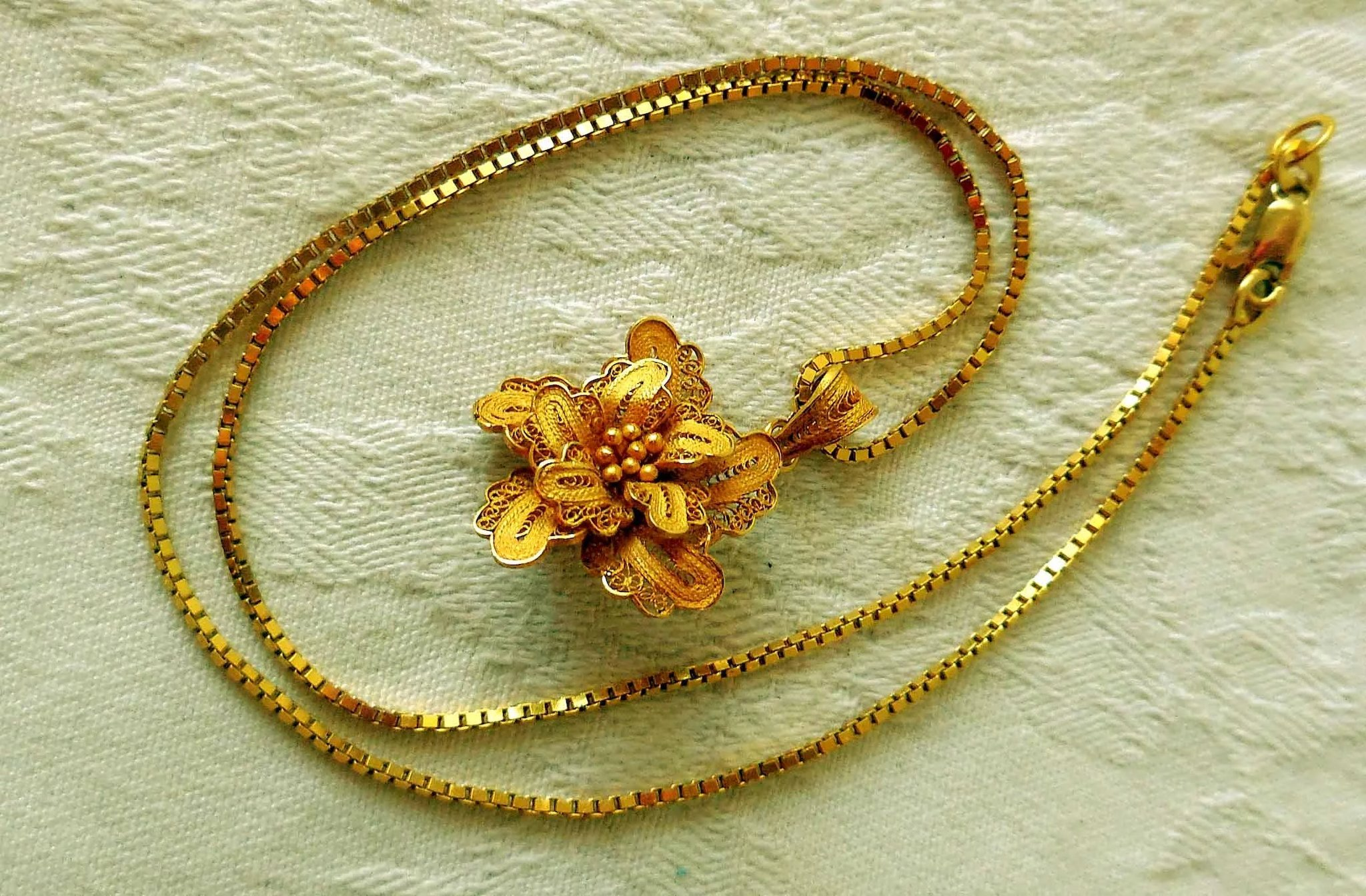 with product gold necklace online flower kalpana pure pendant