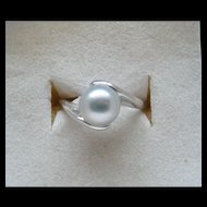 Fantastic Large 8 MM Silver Pearl 14 Karat White Gold Ladies Right Hand Ring