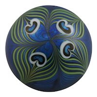 Orient & Flume Stylized Peacock Feathers Glass Paperweight d1981 Iridescent
