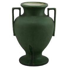 "Hampshire 10.5"" Arts & Crafts Vase In Rich Matte Green With Boxy Handles"