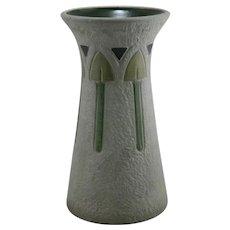 "Roseville Mostique 15"" Gardenware Vase W/Arrowheads 164-15 In Gray Glaze"