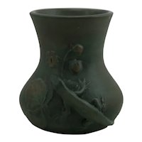 Weller Kenova Arts & Crafts Lizard Vase in Organic Olive Green Original Condition