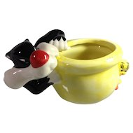 Fun & Nostalgic: Sylvester & Tweety
