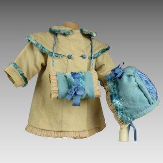 Wonderful antique original flanel wool three-piece ensemble, coat, bonnet and muff