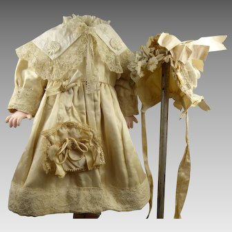 Beautiful Original Antique French 3-piece ensemble, coat, bavolet/bonnet and bag/purse from appr. 1890.