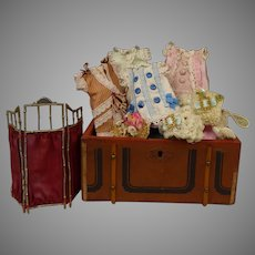 """Exceptional Antique French Doll Travelling Trunk with beautiful clothes and a pewter screen for your 5"""" (12,5cm) Mignonette"""