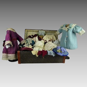 "Antique French original doll travelling trunk with extensive antique original trousseau for your  ca. 15,75"" (40cm)  doll"