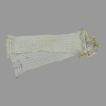 Hard to find antique pair of open weave mitts/mitaines for your Large Fashion Doll, Poupée or Bébé