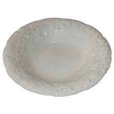 19th Century Meissen Porcelain Rococo Leaf Cluster Pomp Relief Plate / Ceremonial Plate