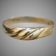 Vintage 1970s Art Nouveau Style 8 karat Gold Ring