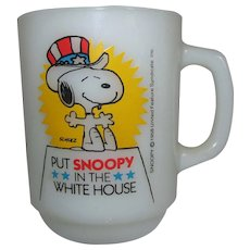 Snoopy In The White House 1980 Collectors Series Milk Glass Mug