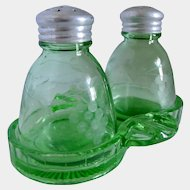 Green Uranium Depression Grape Etched Glass Salt Pepper Tray Ashtray