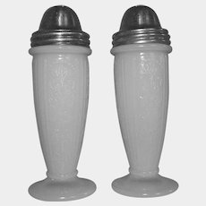 American Sweetheart MONAX Salt Pepper Shakers Depression Glass 1930-1936