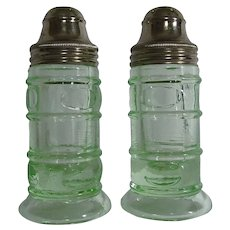 Federal Glass Thumbprint Pear Optic Green Depression Uranium Glass Salt Pepper Shakers