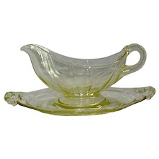 Cambridge Yellow Glass Sauce Gravy Boat & Stand
