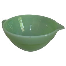 Vintage Anchor Hocking Fire King Jadeite / Jadite Batter Bowl with Pour Spout 1960s